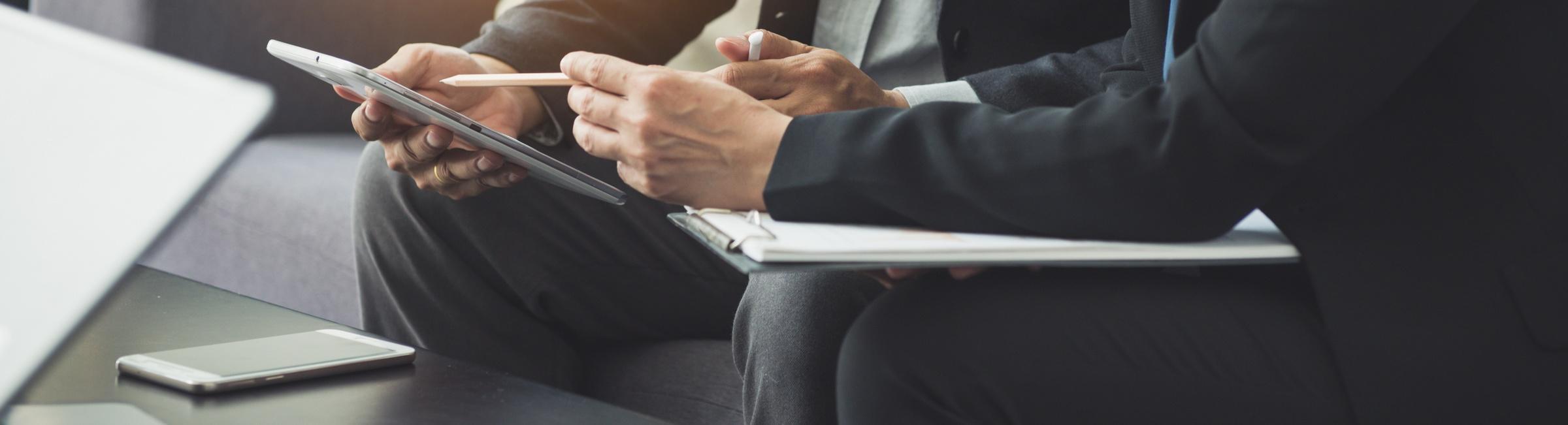 Un contrat signé entre une entreprise et une agence d'emploi